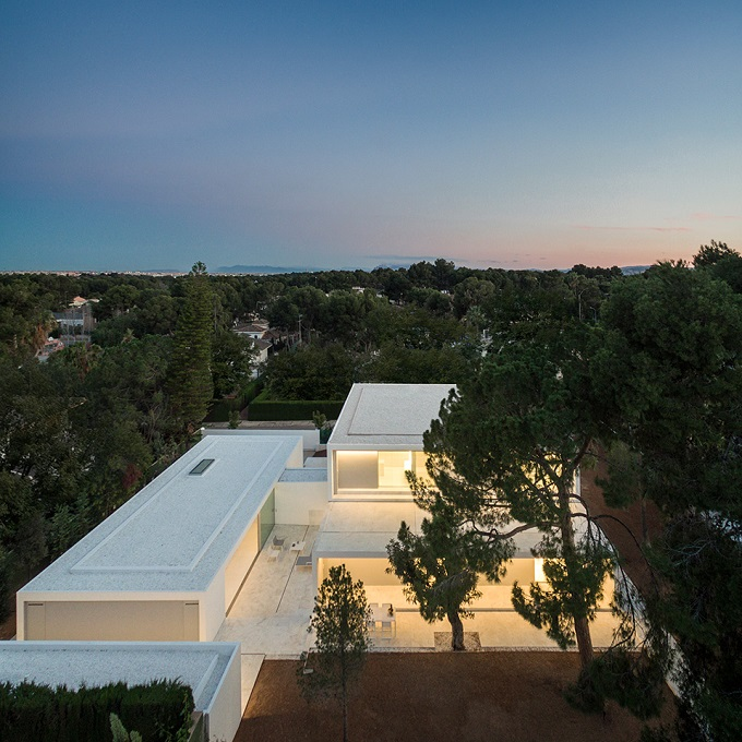 6. House in Paterna by Fran Silvestre Arquitectos - Ultramodern House in Paterna, Valencia, by Fran Silvestre Arquitectos