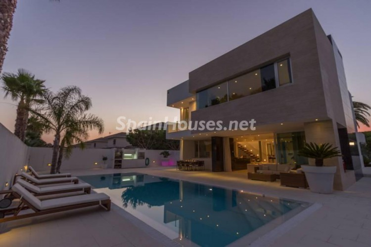 6. Modern style house for sale in Chiclana de la Frontera (Cádiz)
