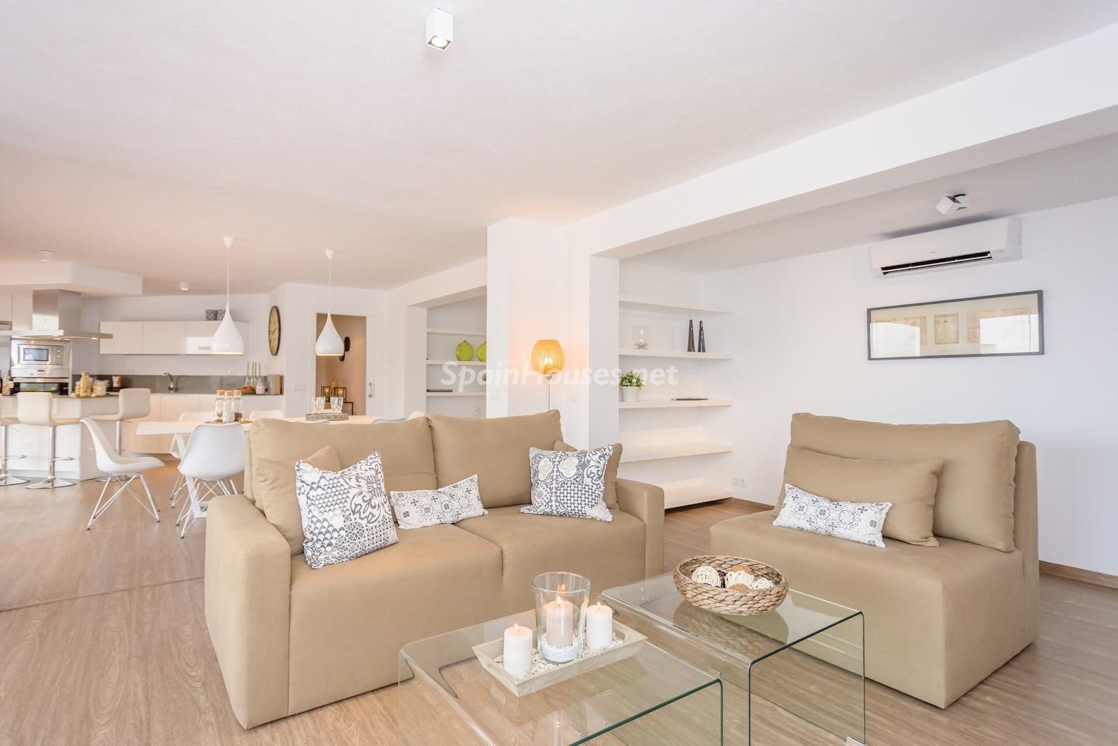 6. Villa for sale in Estepona Málaga - Beautiful 4 Bed Villa For Sale in Estepona, Málaga