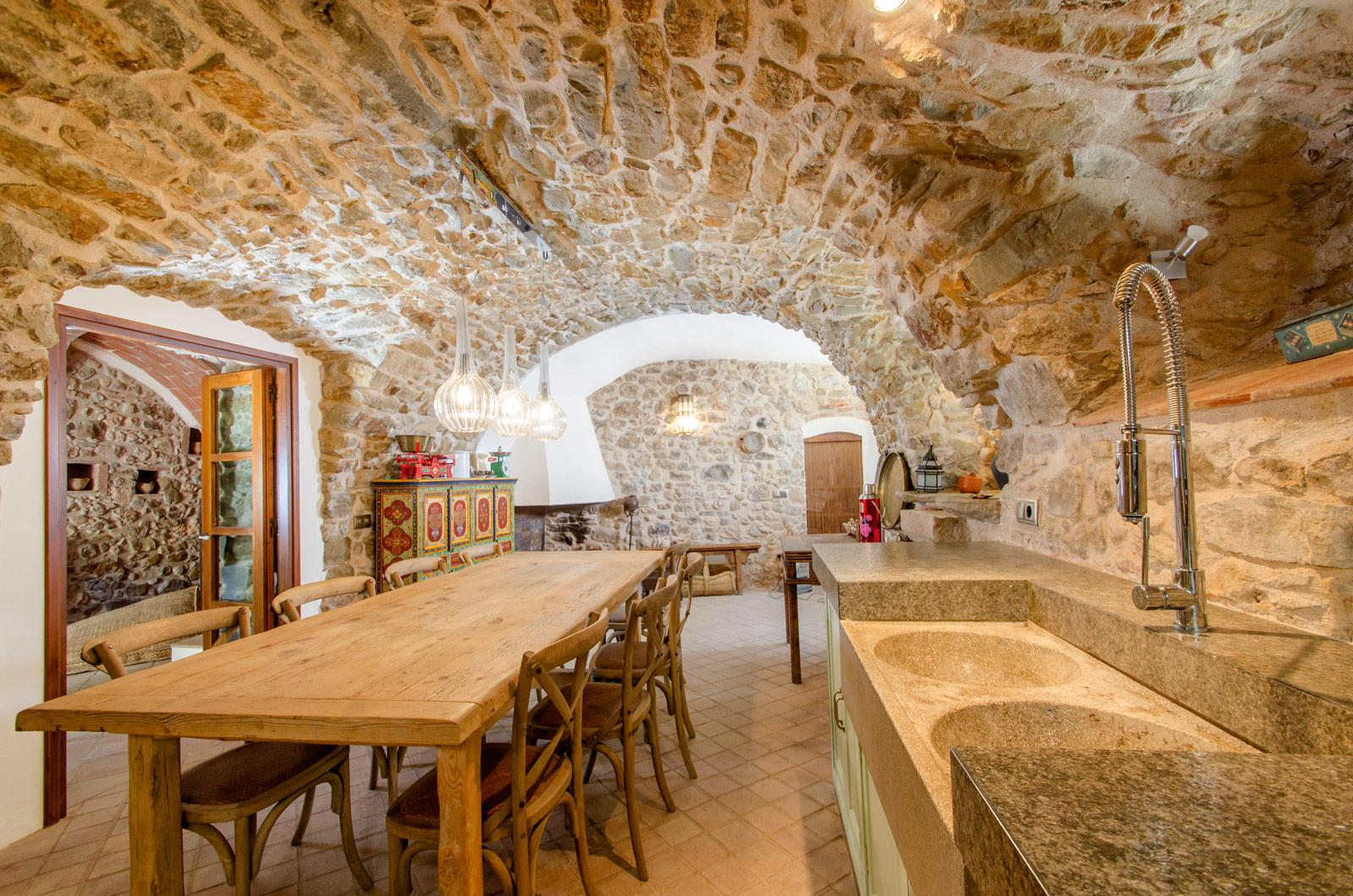 6. Villa for sale in Girona - Traditional Masia, Catalonia country house, for sale in Girona