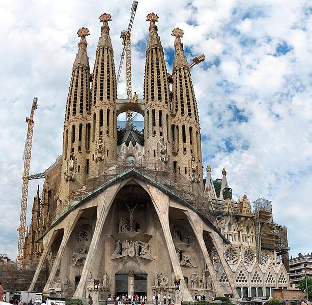 613px Sagfampassion - The Basilica La Sagrada Familia in Barcelona