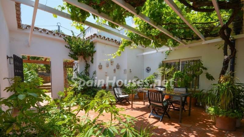 629541 1891357 foto 468428 e1487078410925 - Looking for a tranquil life in the country? Don't miss these gorgeous Andalusian estates