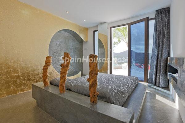 64 - Amazing Modern House for Sale in Ibiza (Baleares)