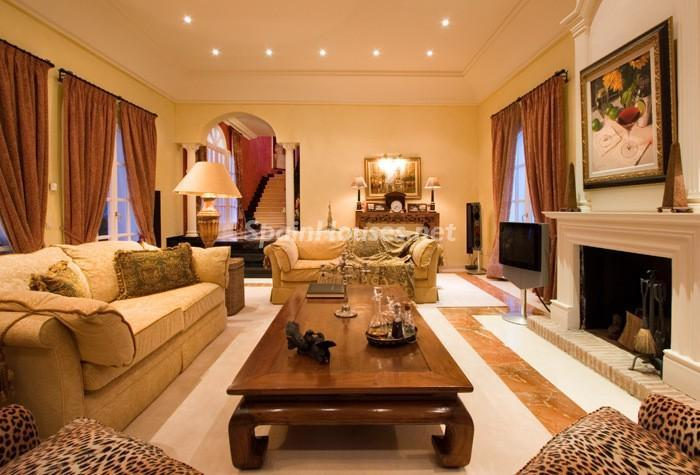 644 - Beautiful Villa for Sale in Benahavís, Málaga