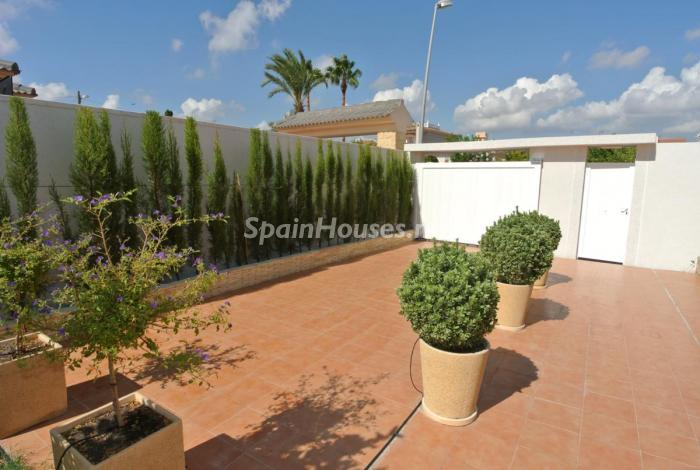 652 - Beautiful Detached Chalet for Sale in Torrevieja (Alicante)