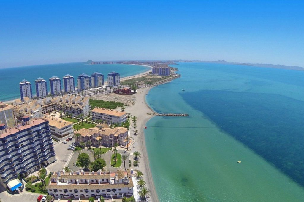 66754663 2662229 foto 901294 1024x682 - First line beach apartment for sale in La Manga del Mar Menor (Murcia)
