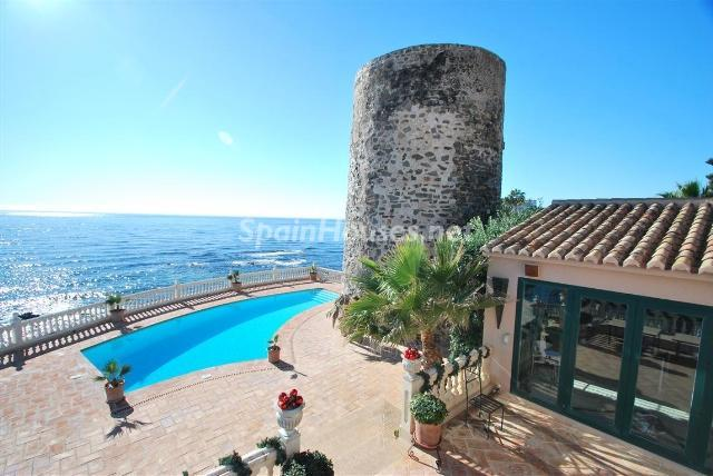 66884997 2029479 foto 813999 - Wonderful house built in an old and famous tower