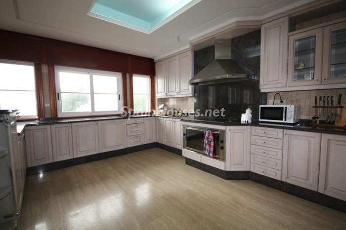 6688976 1182545 foto24693583 - Majestic Detached Villa for Sale in Oia / Pontevedra, Galicia
