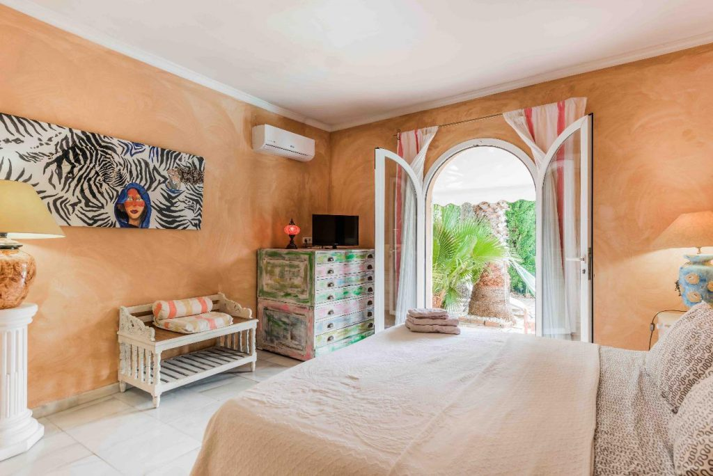 67503655 2066895 foto 689225 1024x684 - Moroccan style villa in Marbella, Málaga