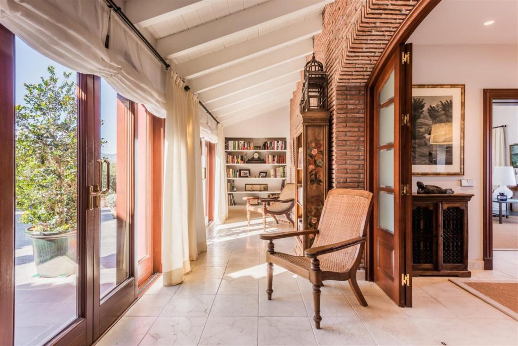 67503655 2093442 foto 203676 1 1024x684 - Fantastic European architecture house in the mountains of Málaga