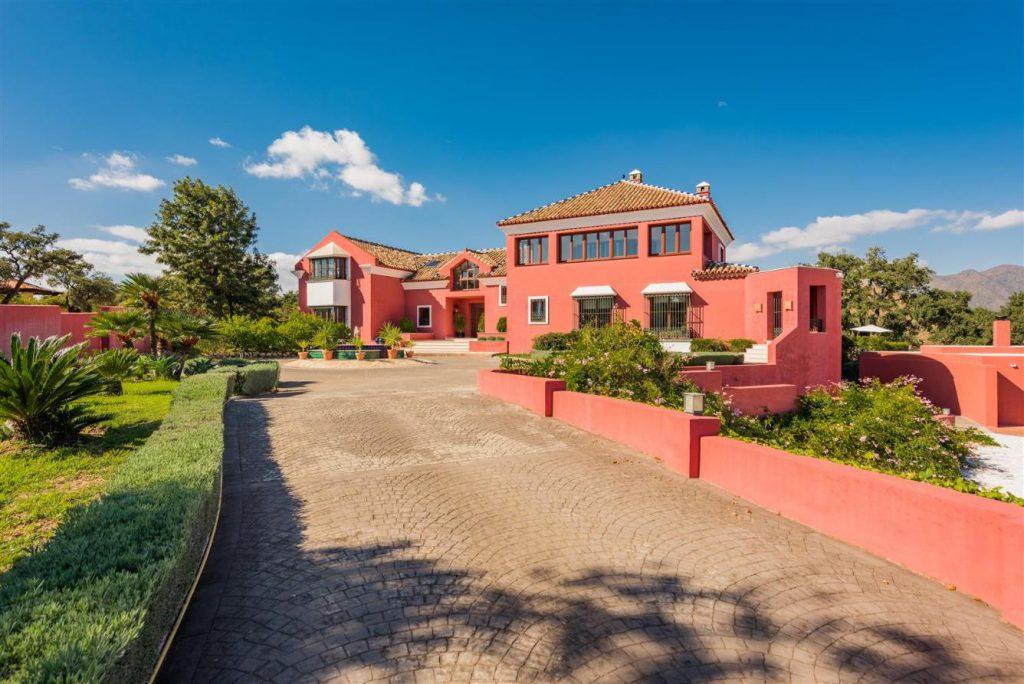 67503655 2093442 foto 429548 1024x684 - Fantastic European architecture house in the mountains of Málaga