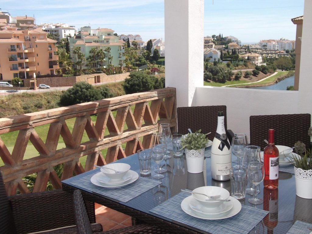 67607037 2072547 foto62699827 1024x768 - Time to plan your holidays! The best apartments to rent in the coast of Málaga