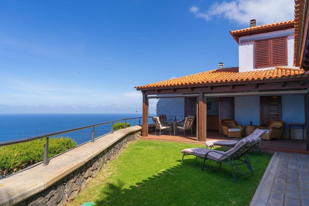 68223621 2926451 foto 308259 1024x683 - Views to the Teide and the infinite sea in this detached house in El Pris (Tenerife)
