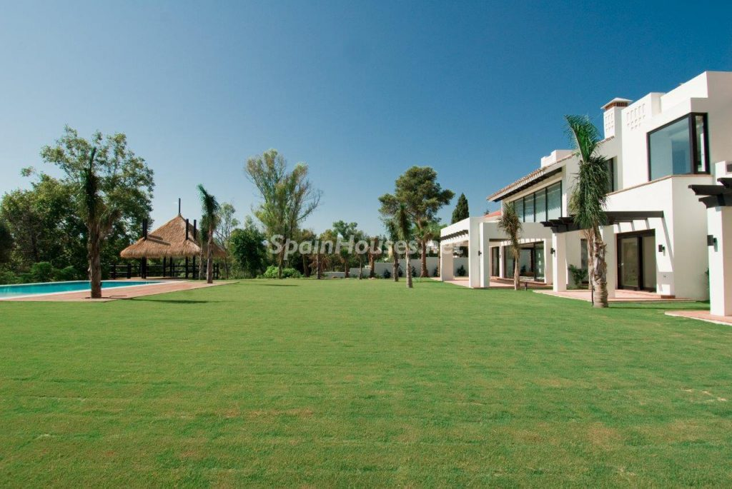 69140074 2209537 foto 872964 1024x685 - Definitive decorative style in this luxurious villa in Marbella