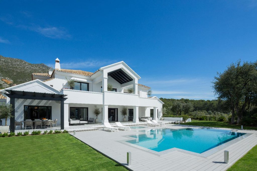 69140074 2260247 foto 256339 1024x683 - Find out one of the jewels of modern structure in this exclusive neighbourhood of Marbella