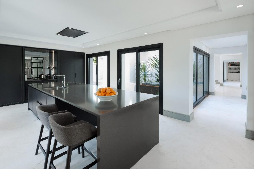 69140074 2260247 foto 357233 1024x683 - Find out one of the jewels of modern structure in this exclusive neighbourhood of Marbella