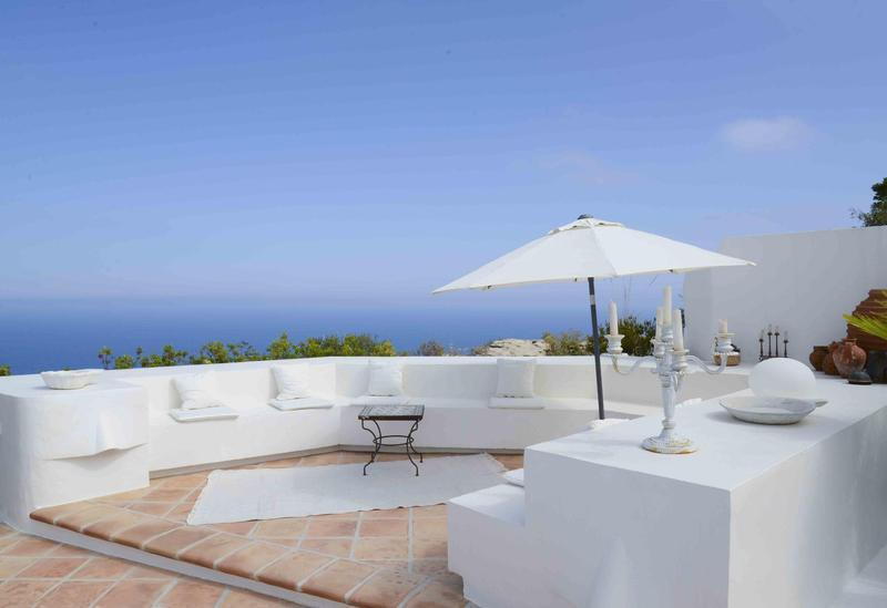 69151158 2340281 foto 122536 - The cliff, a luxury villa to enjoy the Mediterranean paradise