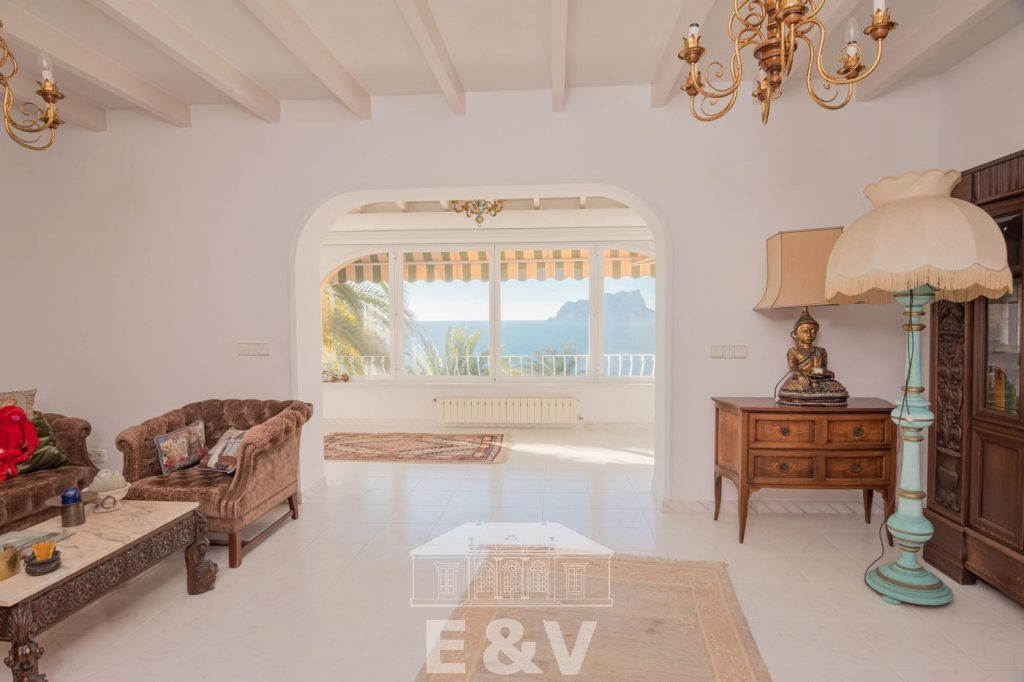 69151158 2340733 foto 134939 1024x682 - Moraira, a Mediterranean paradise which you can enjoy from this fantastic villa