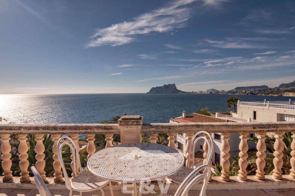 69151158 2340733 foto 299169 1024x682 - Moraira, a Mediterranean paradise which you can enjoy from this fantastic villa