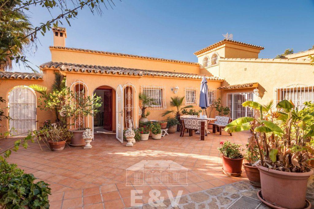 69151158 2340733 foto 522992 1024x682 - Moraira, a Mediterranean paradise which you can enjoy from this fantastic villa