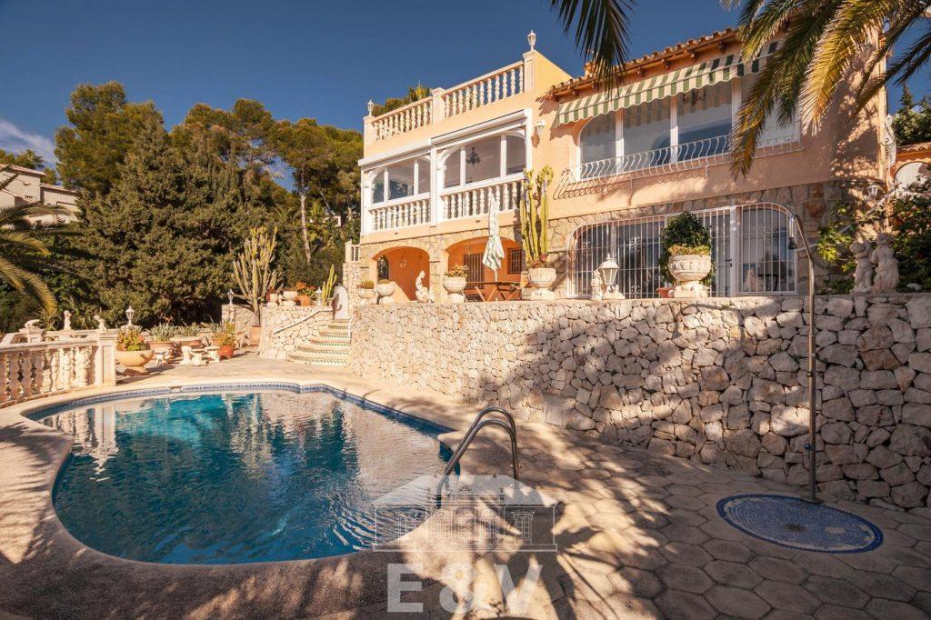 69151158 2340733 foto 816286 1024x682 - Moraira, a Mediterranean paradise which you can enjoy from this fantastic villa