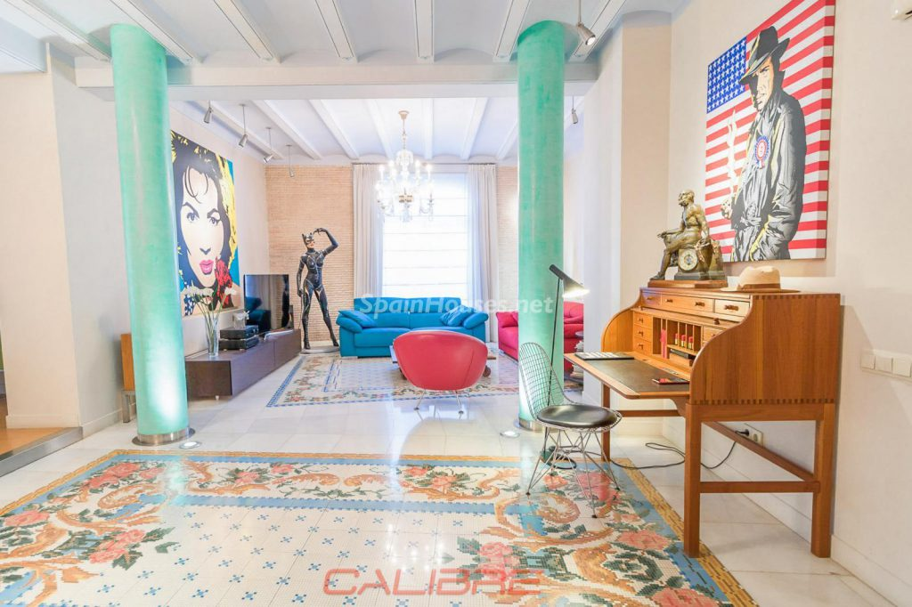 69402407 2261020 foto70856309 1024x682 - If you are a lover of the Pop Art style, your perfect apartment is in Valencia
