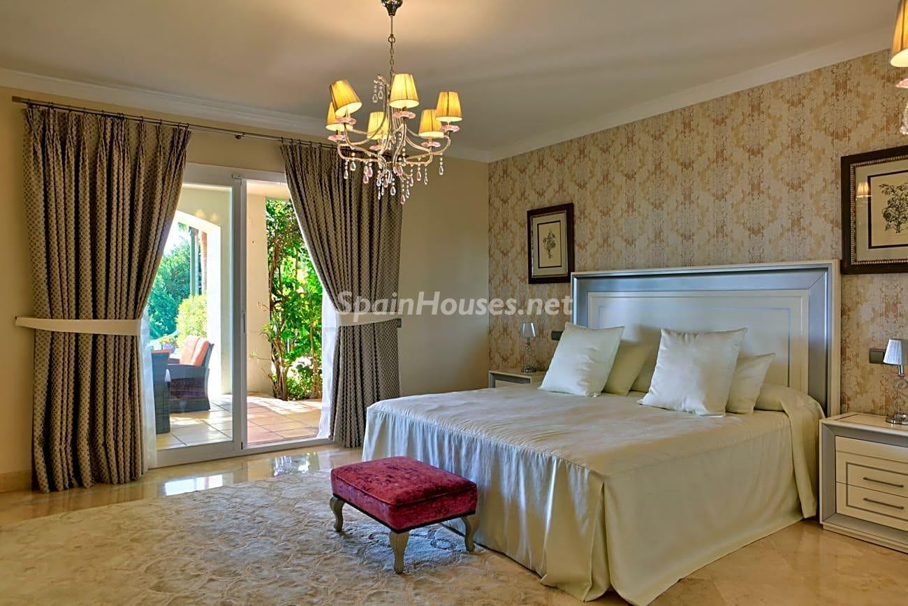 69700916 3159947 foto 324682 - Roman design, elegance and luxury in this wonderful villa in Benahavís