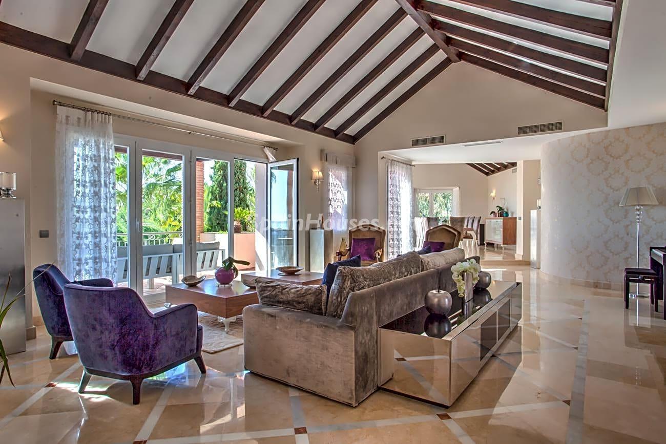 69700916 3159947 foto 376745 - Roman design, elegance and luxury in this wonderful villa in Benahavís