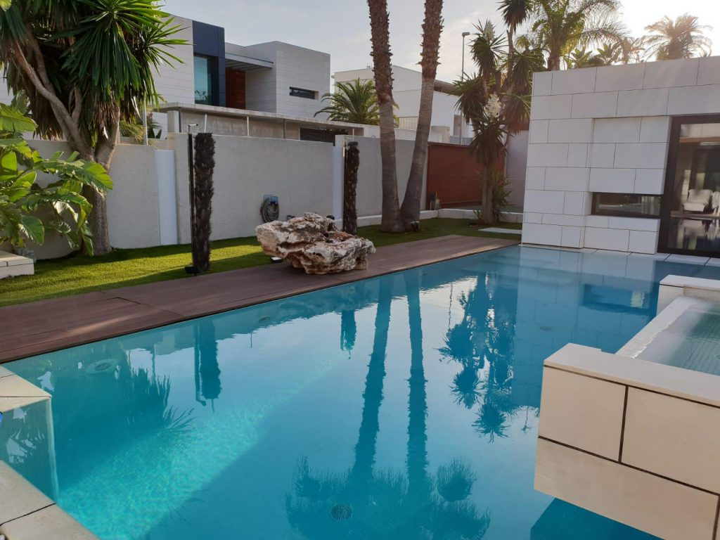 69739038 2311171 foto84013465 1024x768 - Luxury resort design in this majestic and modern detached villa in El Puntal (Murcia)