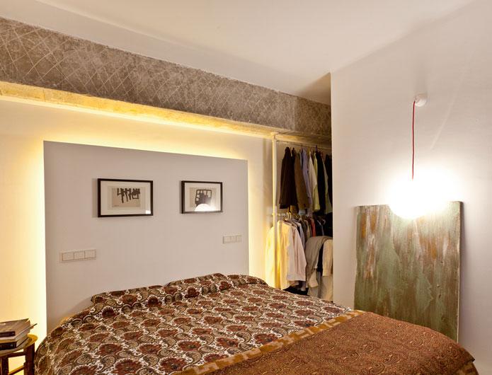 7. Apartment Refurbishment by vilaseguiarquitectos.com
