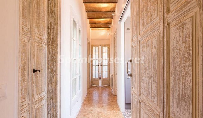 7. Apartment for sale in Barcelona - For Sale:  Renovated Apartment in Barcelona