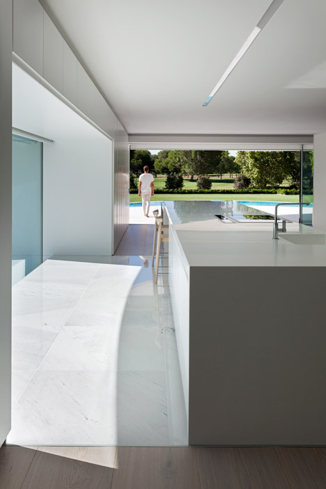 7. Balint House - Balint House by Fran Silvestre Arquitectos in Bétera (Valencia)