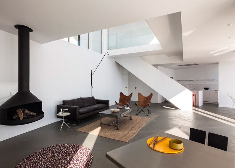 7. Casa Girasol en Girona - Impressive House Design in Girona: Sunflower House