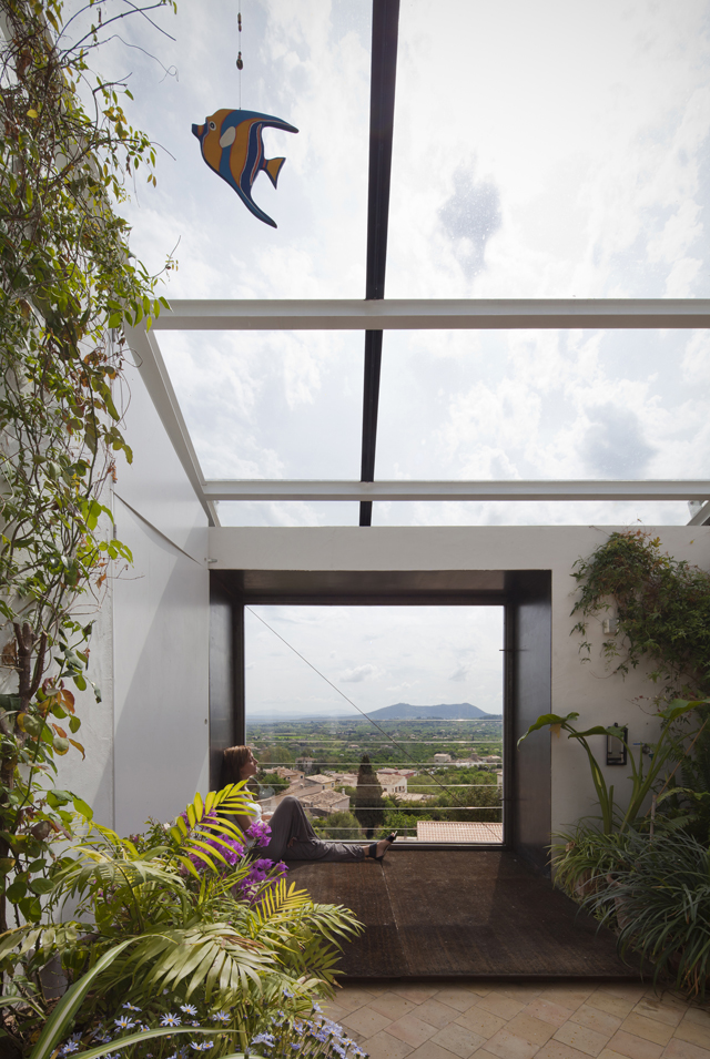 House in Selva, Mallorca, by Architect Luis Velasco Roldán – News ...