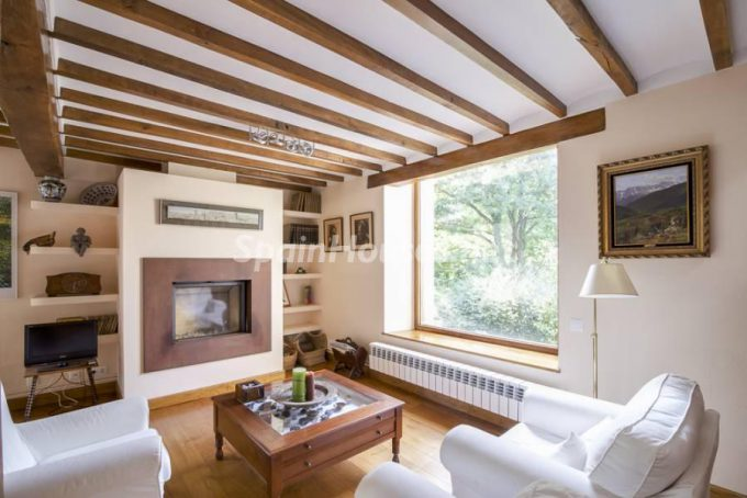 7. Country house for sale in Castañeda, Cantabria