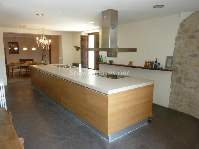 7. Detached house for sale in Cervera Lleida - For Sale: Beautiful Detached House in Cervera, Lleida