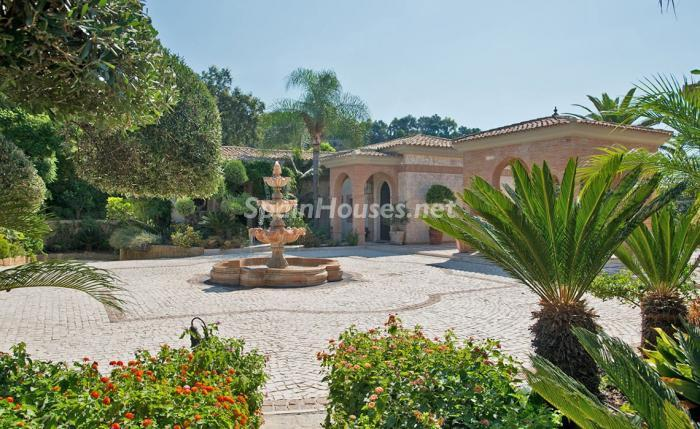 7. House for sale in Benahavís Málaga - For sale: Impressive villa in Benahavís (Málaga), don't miss the pictures!