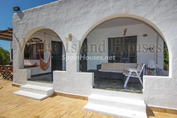 7. House for sale in Santa Eulalia del Río Balearic Islands - On the Market: Detached House in Santa Eulalia del Río, Balearic Islands