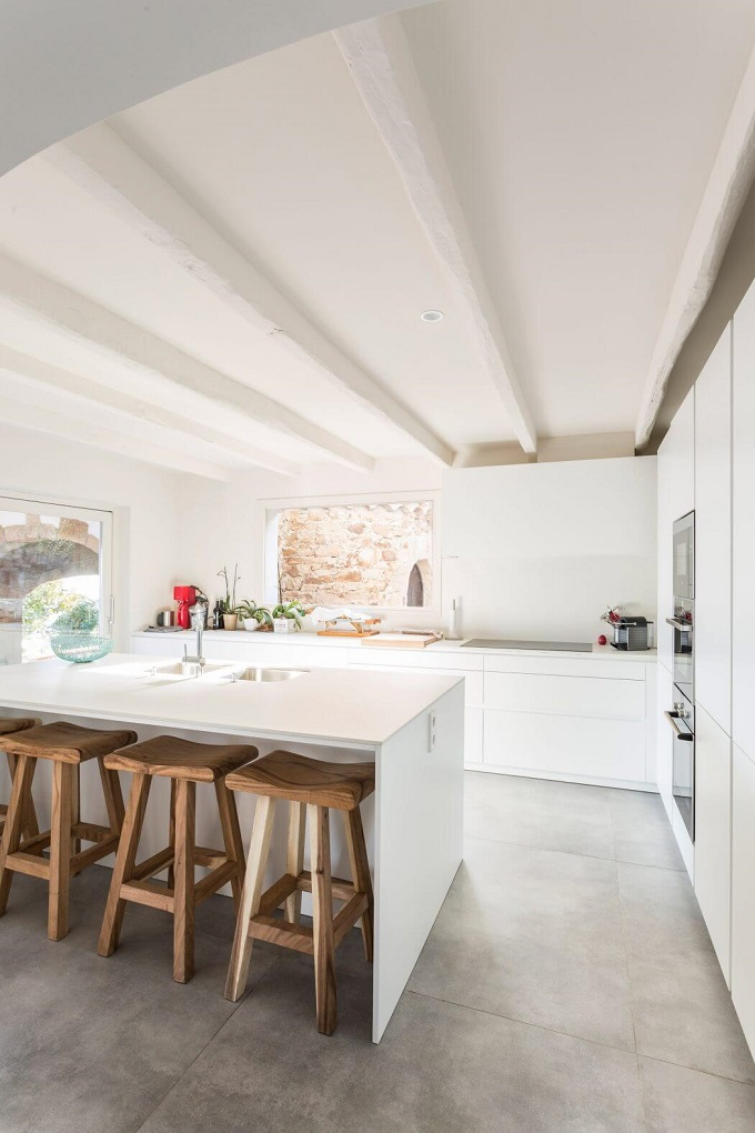 7-house-renovation-in-girona