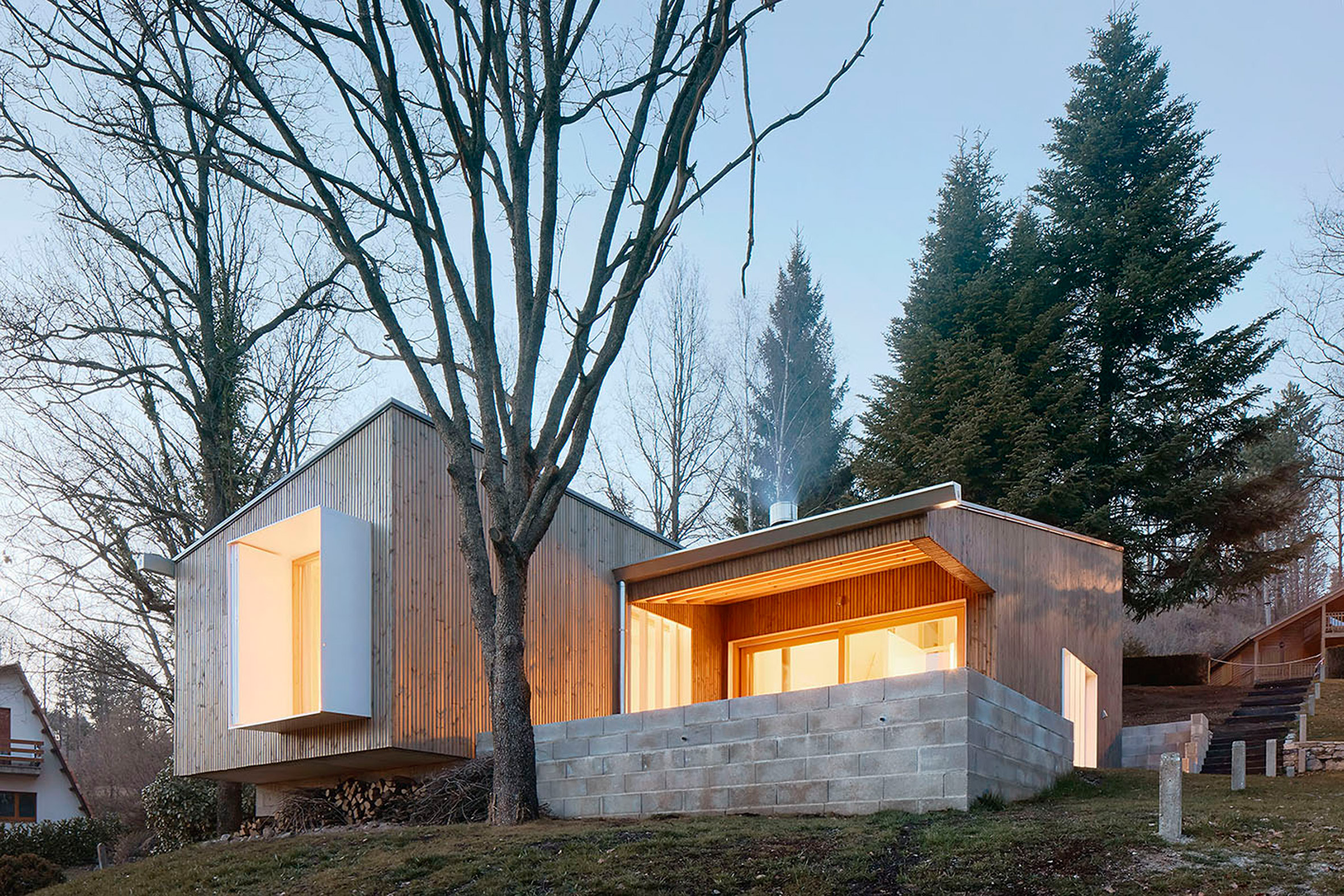 7. Prefababricated wooden home in the Pyrenees by architect Marc Mogas - Prefabricated wooden home in the Pyrenees by architect Marc Mogas