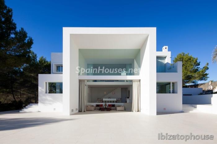 7. Villa for sale in Ibiza Balearic Islands - For Sale: Stunning Villa in Ibiza, Balearic Islands