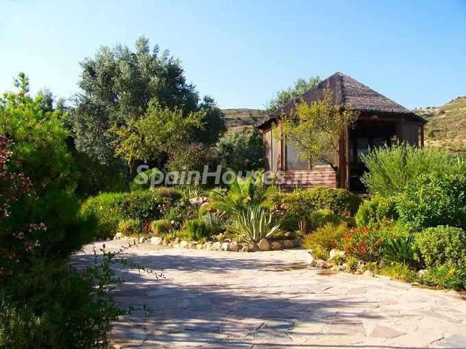 7. Villa for sale in Lecrín (Granada)