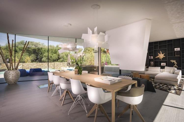 7. Villa in Marbella by 123DV