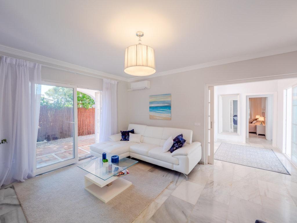 70475951 2989781 foto 092402 1024x768 - A beautiful summer villa in Mijas Costa (Málaga)