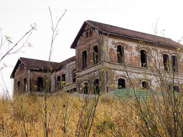 7131c1e1ae2909c8771946e07b8cc862 xJurado.jpg.pagespeed.ic .4bgl ICObe - Most frightening houses in the world