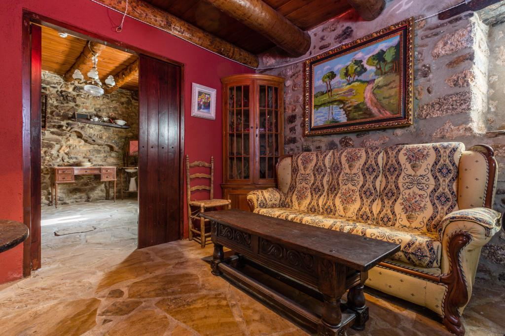 71532983 2478205 foto 057979 - Find out the unique natural paradise that surrounds this beautiful rural house in the heart of the Pre-Pyrenees