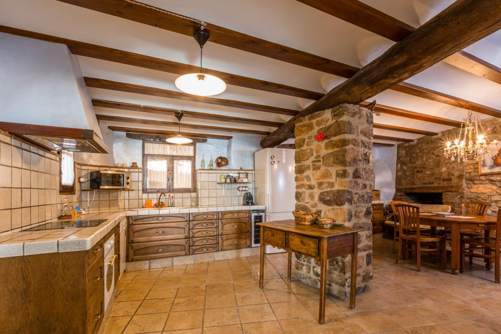 71532983 2478205 foto 193178 - Find out the unique natural paradise that surrounds this beautiful rural house in the heart of the Pre-Pyrenees