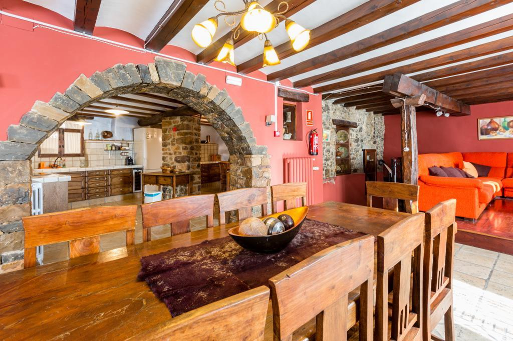 71532983 2478205 foto 437790 - Find out the unique natural paradise that surrounds this beautiful rural house in the heart of the Pre-Pyrenees