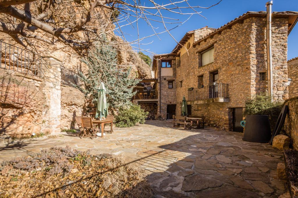 71532983 2478205 foto 498049 - Find out the unique natural paradise that surrounds this beautiful rural house in the heart of the Pre-Pyrenees