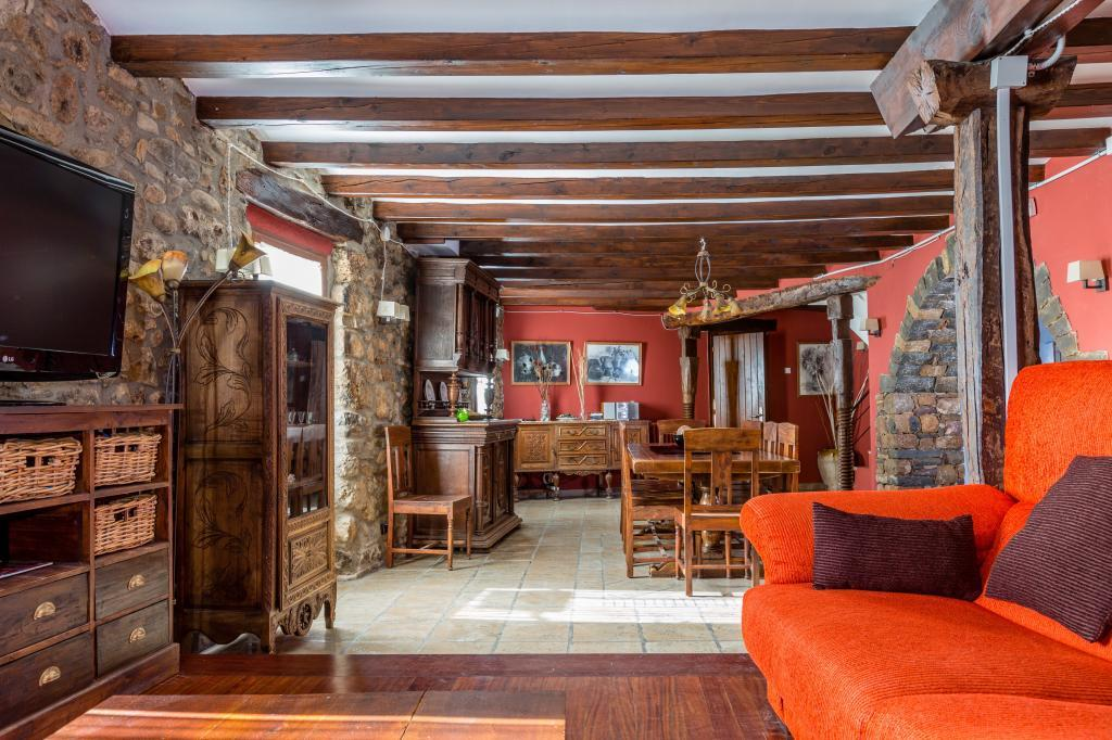 71532983 2478205 foto 519992 - Find out the unique natural paradise that surrounds this beautiful rural house in the heart of the Pre-Pyrenees